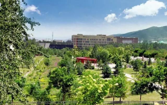 青海大学校园风光2