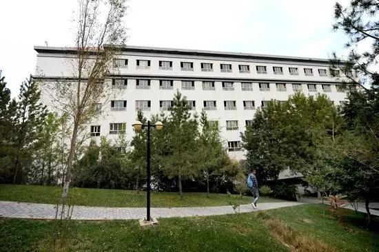 新疆医科大学校园风光2