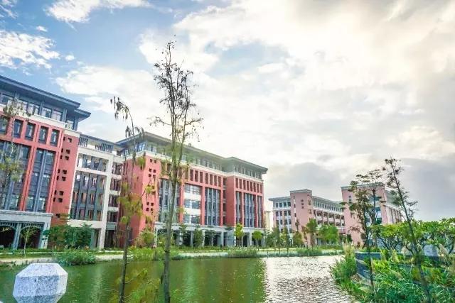 广州医科大学校园风光5