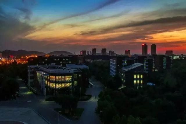 山东工艺美术学院校园风光3
