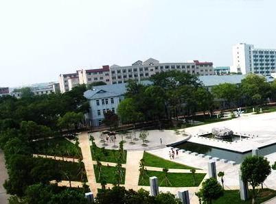 东华理工大学长江学院校园风光1