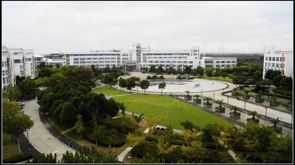 上海第二工业大学校园风光4