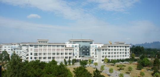 桂林旅游学院校园风光2