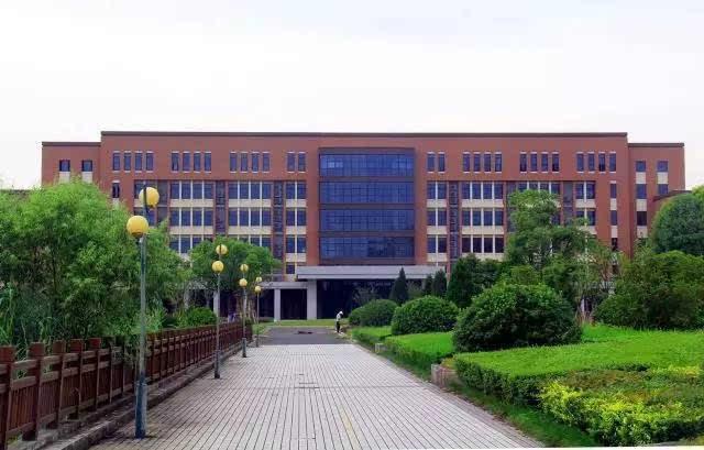 上海思博职业技术学院校园风光3