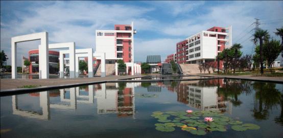 上海工艺美术职业学院校园风光3