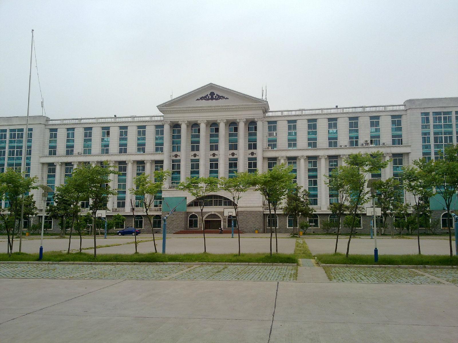 荆州职业技术学院校园风光3