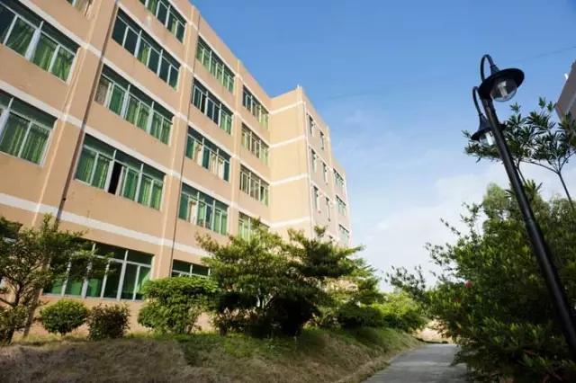 广州东华职业学院校园风光3