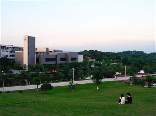 广州科技应用学院(原:广州科技职业技术学院)校园风光5