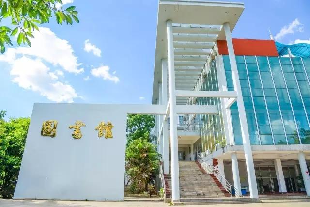 广西城市职业大学校园风光2