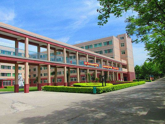 西安汽车职业大学校园风光1