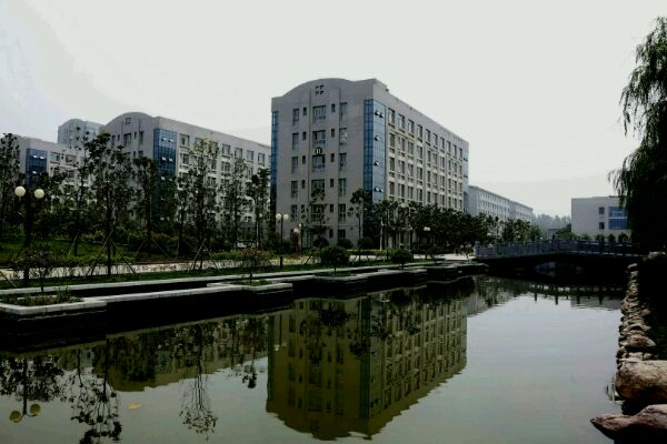河南财政金融学院校园风光3