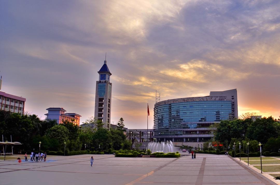 嘉应学院(与广东水利电力职业技术学院协同培养)校园风景3