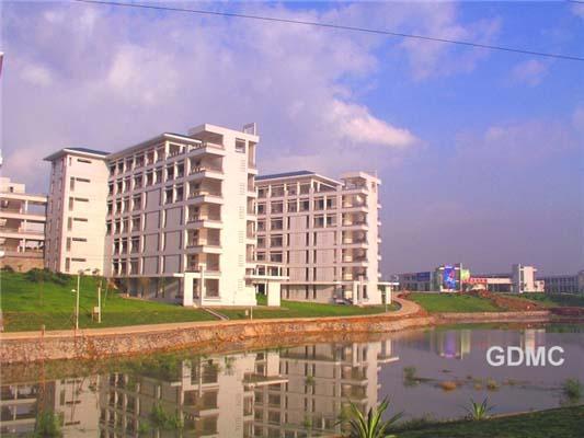 广东医科大学(与广东食品药品职业学院协同培养)校园风景3