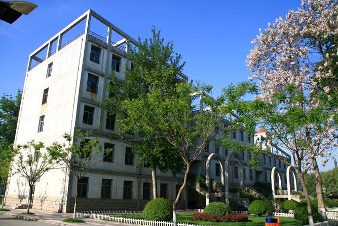 西安欧亚学院校园风景2