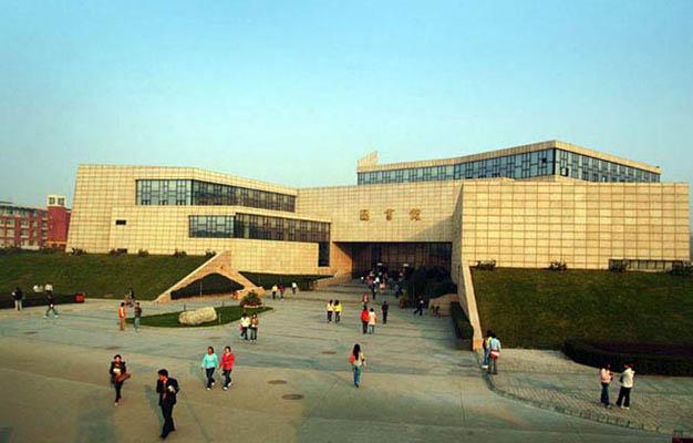 西安欧亚学院校园风景3