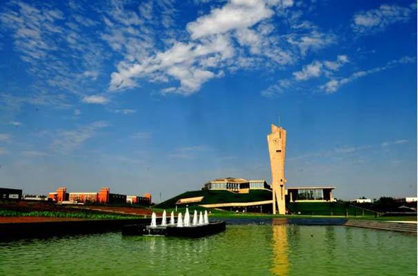 西安欧亚学院校园风景4