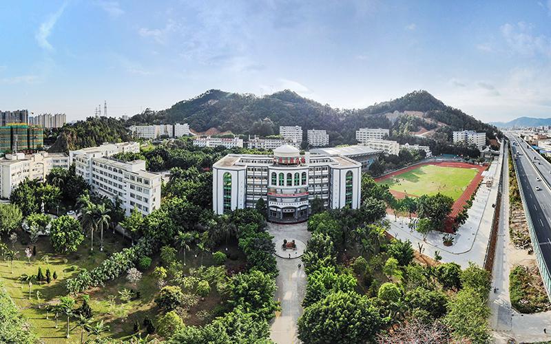 广州工商学院校园风光5