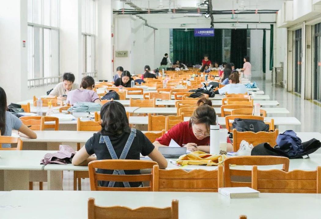 广州商学院校园风光9