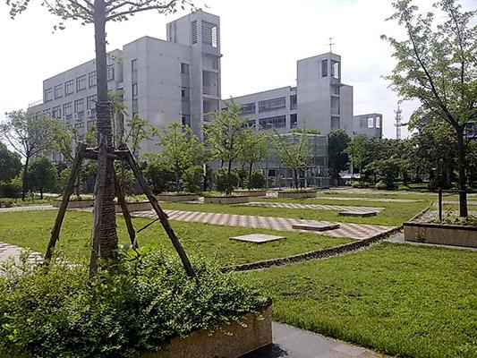 上海中桥职业技术大学校园风光1