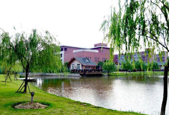 上海旅游高等专科学校校园风光1