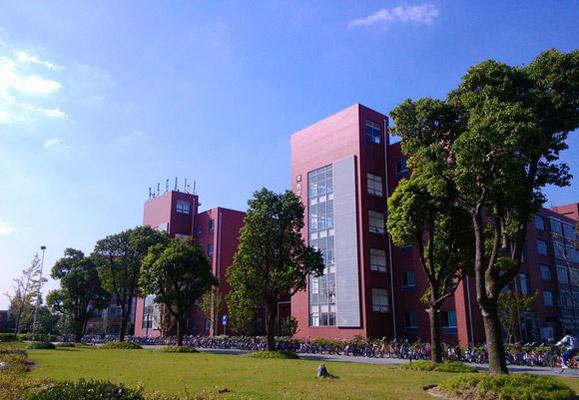 上海旅游高等专科学校校园风光5