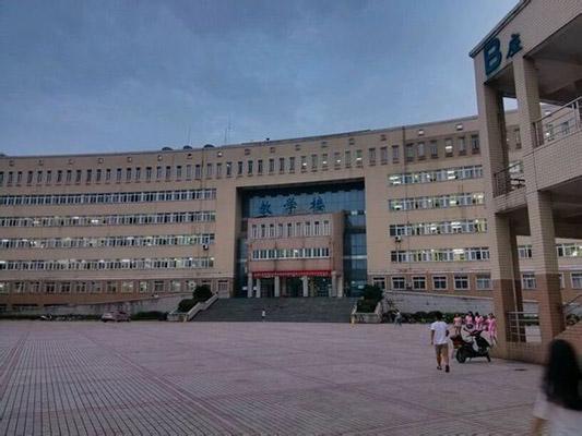 黄冈师范学院校园风光2
