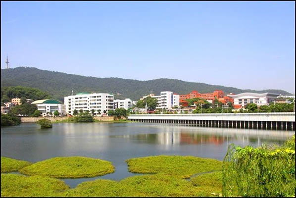 海南大学(中外合作办学专业)校园风光2