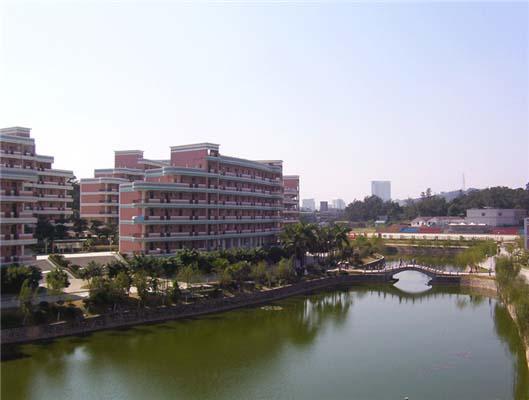 华南农业大学(中外合作办学专业)校园风光5