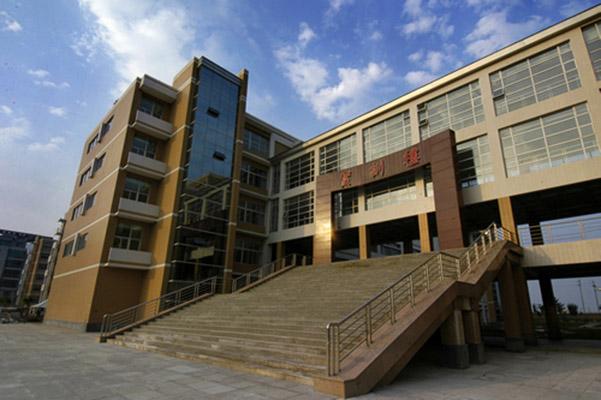 内蒙古建筑职业技术学院校园风光1