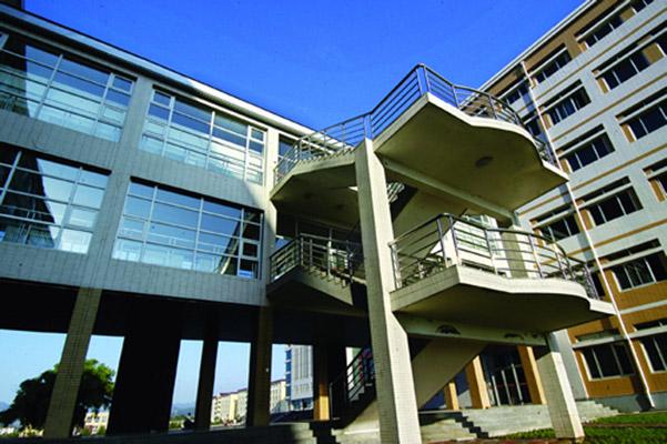 内蒙古建筑职业技术学院校园风光4