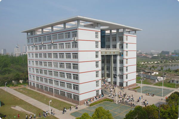 荆州理工职业学院校园风光2