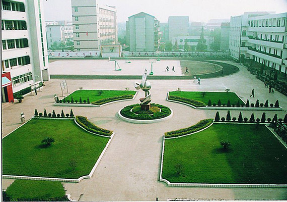 荆州理工职业学院校园风光3