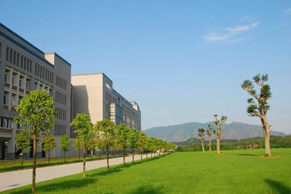 吉林工商学院校园风光3