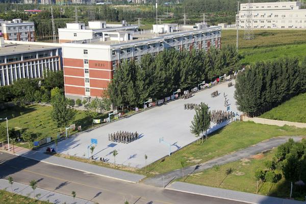 河南工学院1