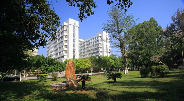 广东石油化工学院(与广东轻工职业技术学院联合培养)主教1