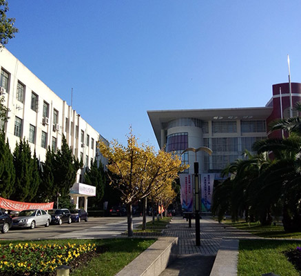 上海出版印刷高等专科学校校园风光2