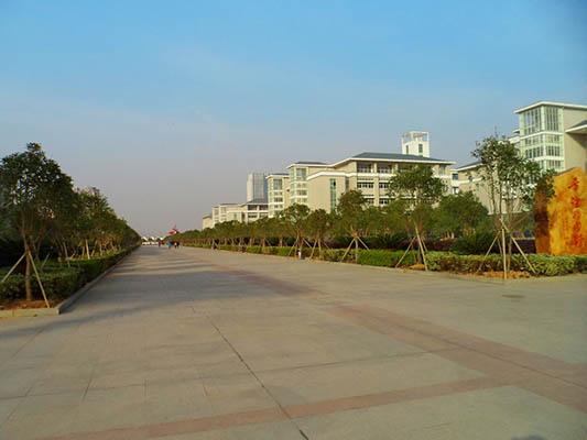 武汉东湖学院4
