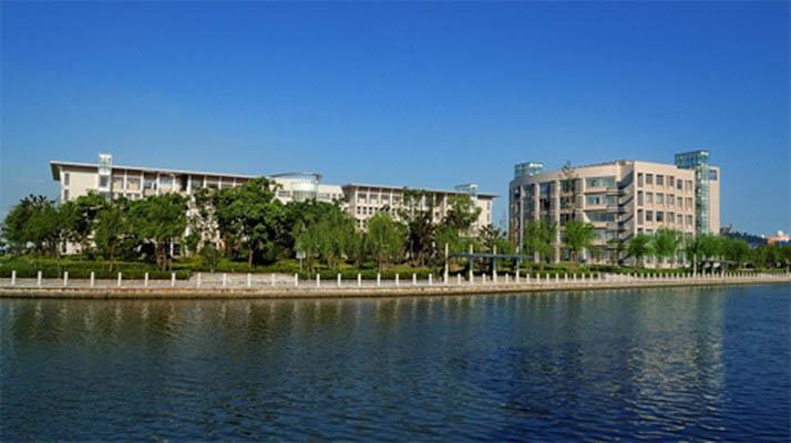 上海政法学院1