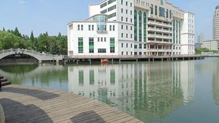 武汉船舶职业技术学院校园风光3