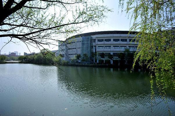 硅湖职业技术学院校园风光5