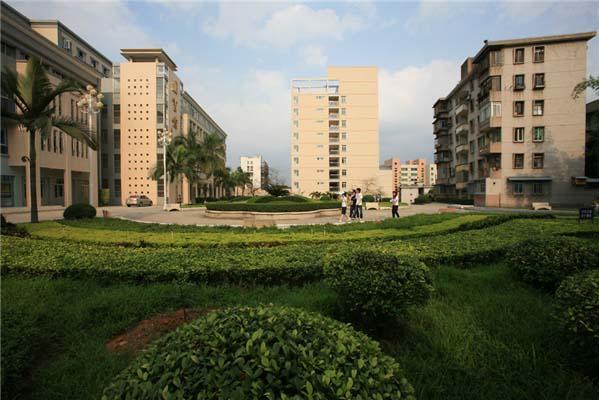 广东农工商职业技术学院(与BTEC合作办学)校园风光2