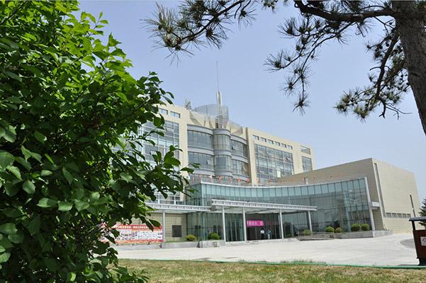 内蒙古商贸职业学院校园风光2
