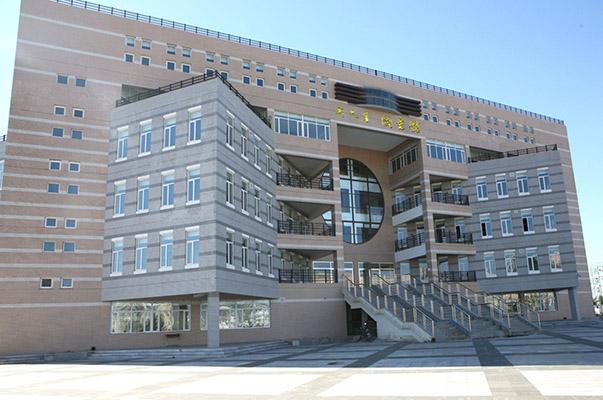 内蒙古商贸职业学院校园风光5
