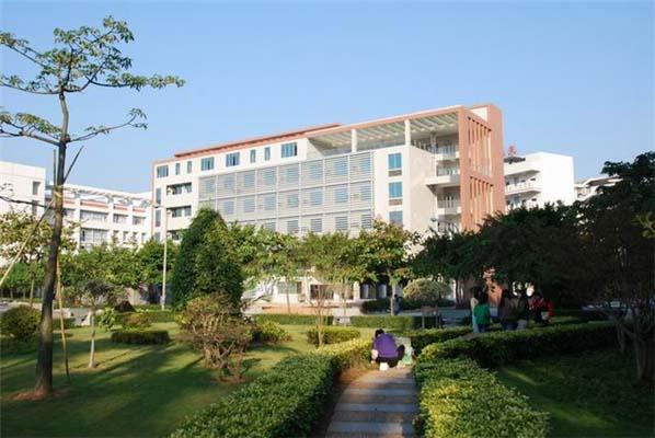 广东女子职业技术学院校园风光1