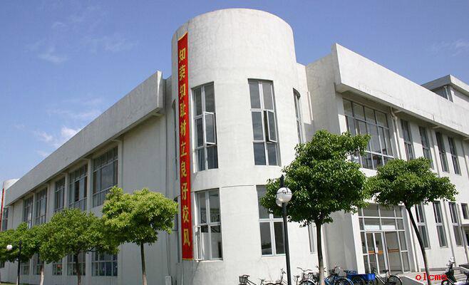 上海科学技术职业学院校园风光4
