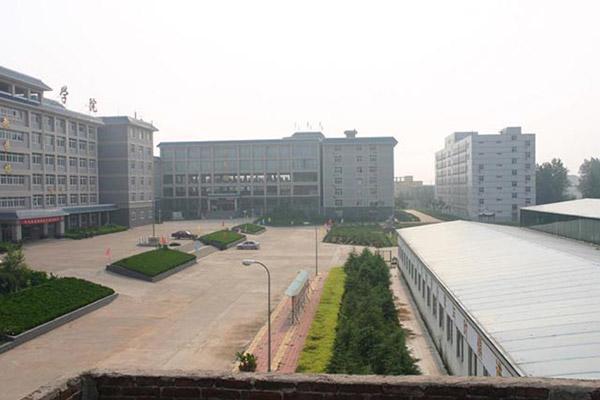 山东力明科技职业学院校园风光1