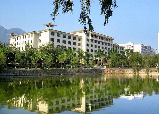 武汉外语外事职业学院校园风光1