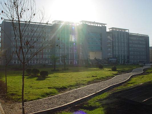 西安高新科技职业学院校园风光1