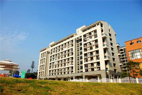 东莞理工学院城市学院(与广州城建职业学院联合办学)校园风光1