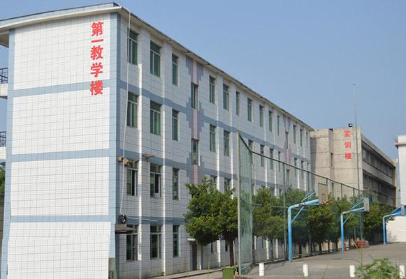 广西工程职业学院校园风光1